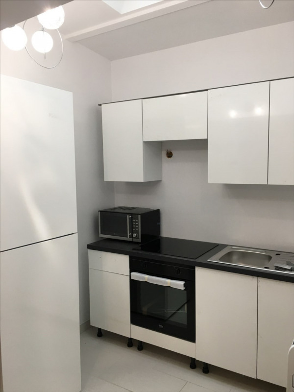 Location appartement Fontainebleau 860€ CC - Photo 5