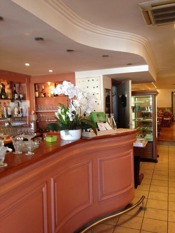 Vente fonds de commerce boutique Mandelieu-la-napoule 165000€ - Photo 2