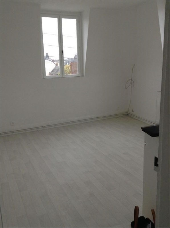 Rental apartment Saint quentin 430€ CC - Picture 1
