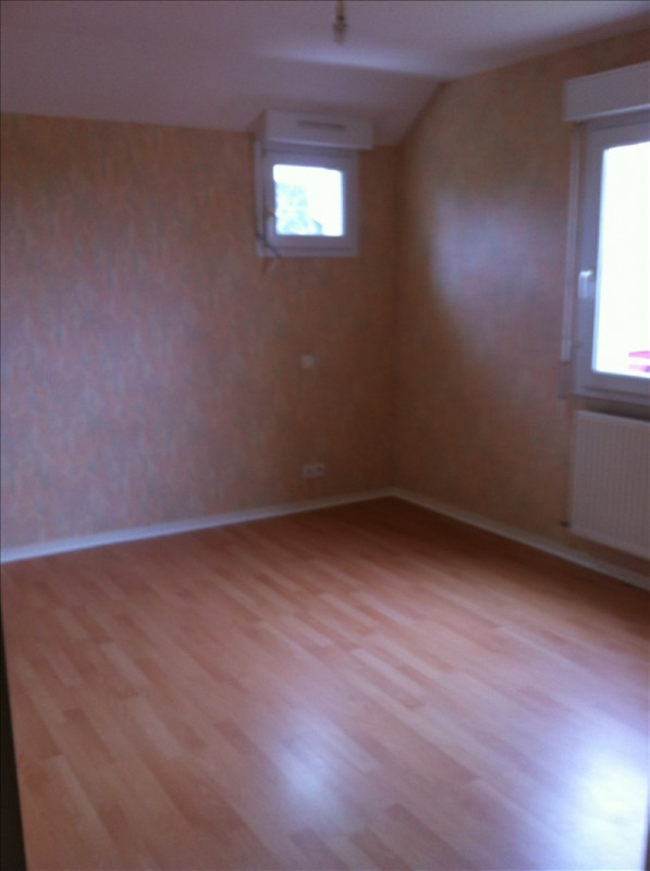 Location maison / villa Crevin 680€ +CH - Photo 5