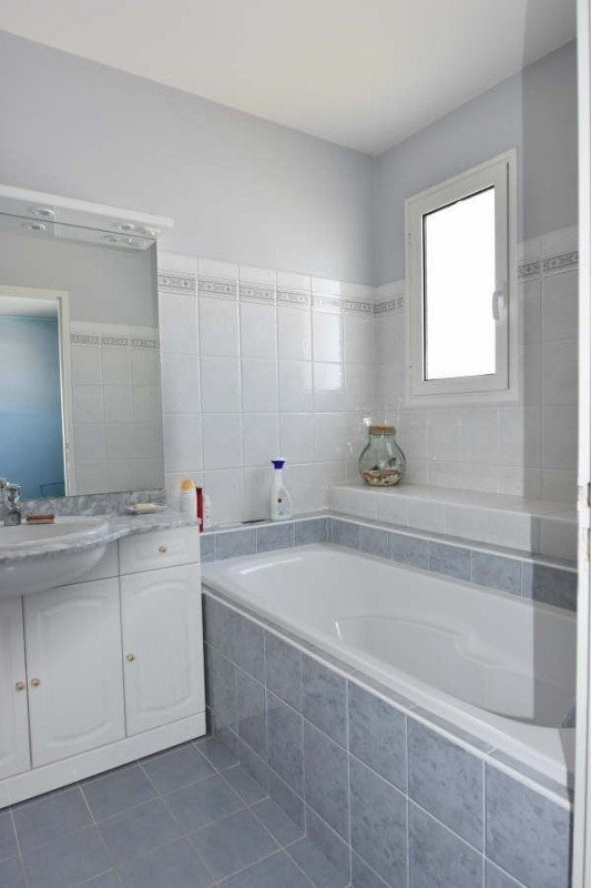 Sale apartment Royan 312000€ - Picture 9
