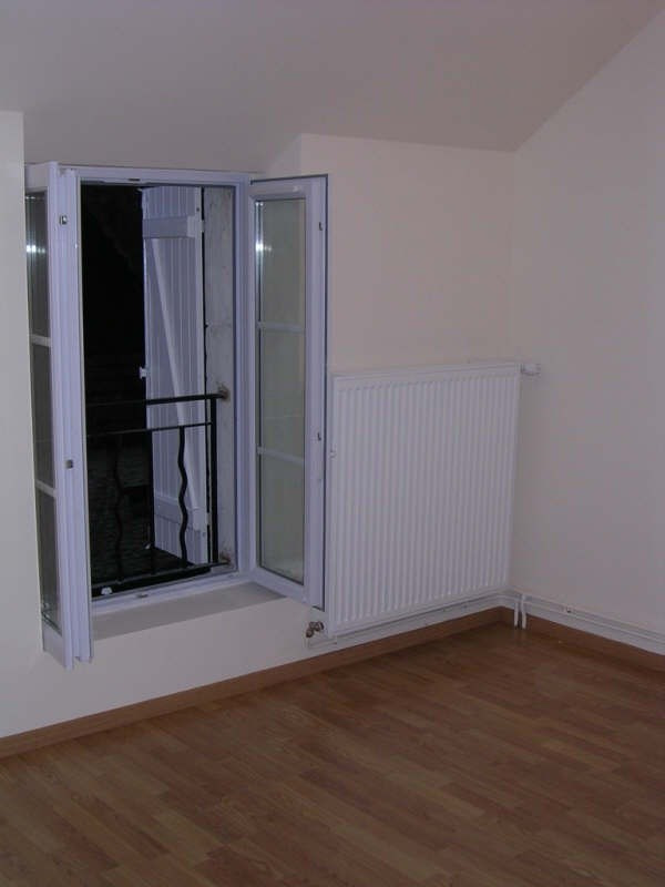 Location maison / villa Villefargeau 670€ +CH - Photo 5
