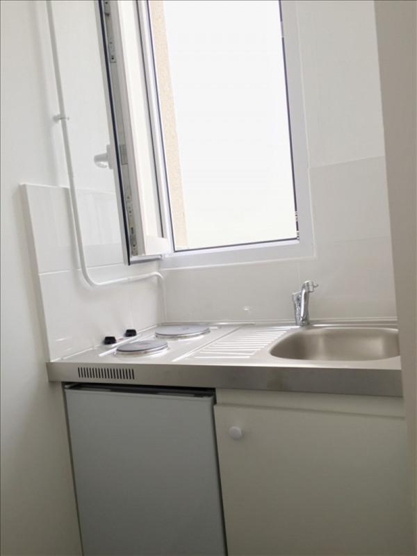 Location appartement Paris 15ème 920€ CC - Photo 2