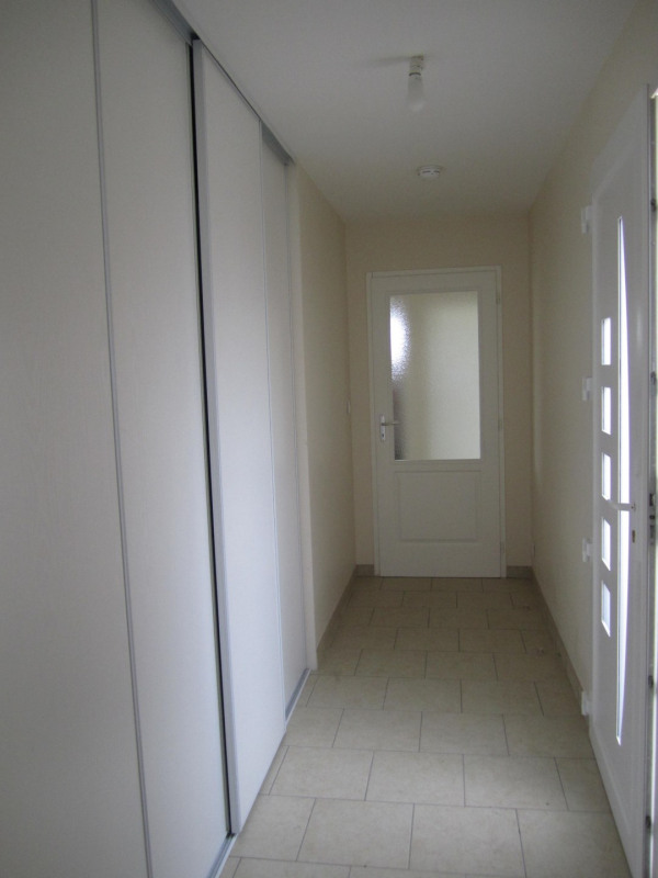Location maison / villa Montchaude 830€ CC - Photo 7