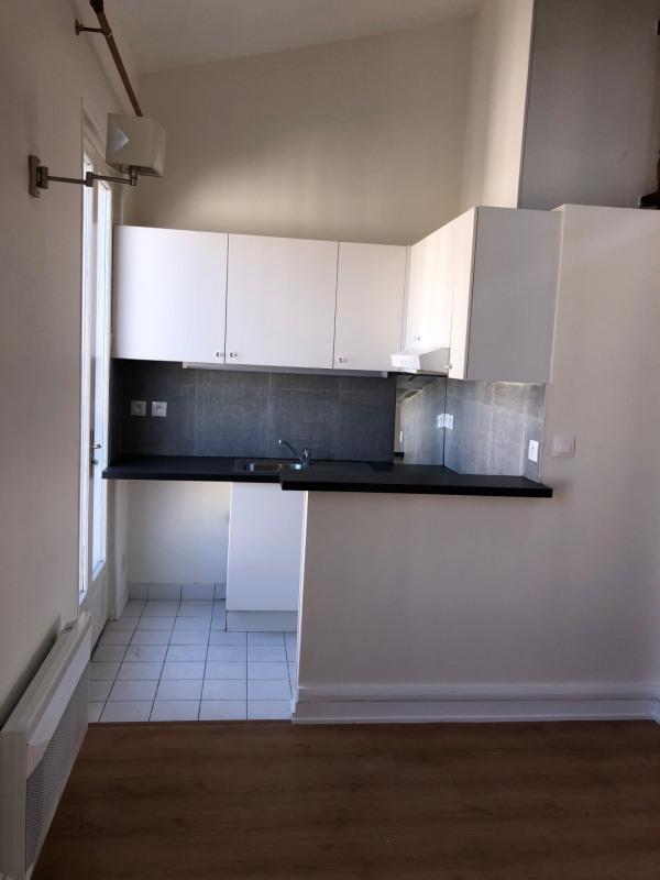 Location appartement Paris 20ème 1350€ CC - Photo 3