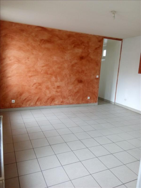 Location appartement Aubervilliers 883€ CC - Photo 1