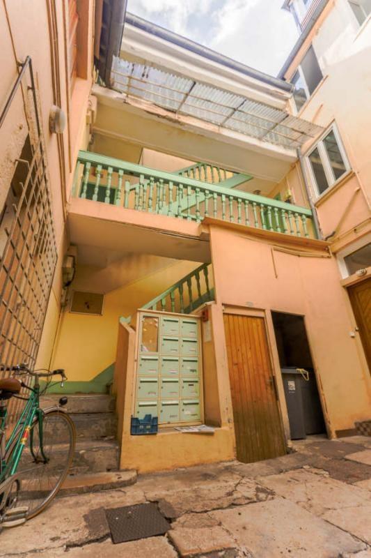 Sale building Besancon 240000€ - Picture 2