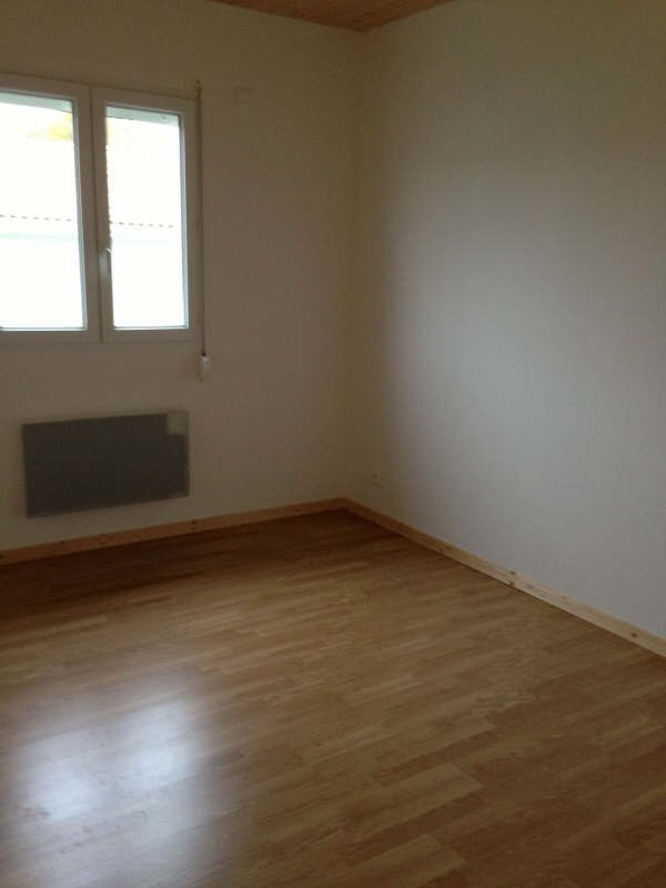 Vente maison / villa Liguge 162 000€ - Photo 3