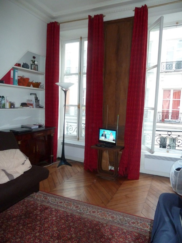 Rental apartment Paris 2ème 790€ CC - Picture 2