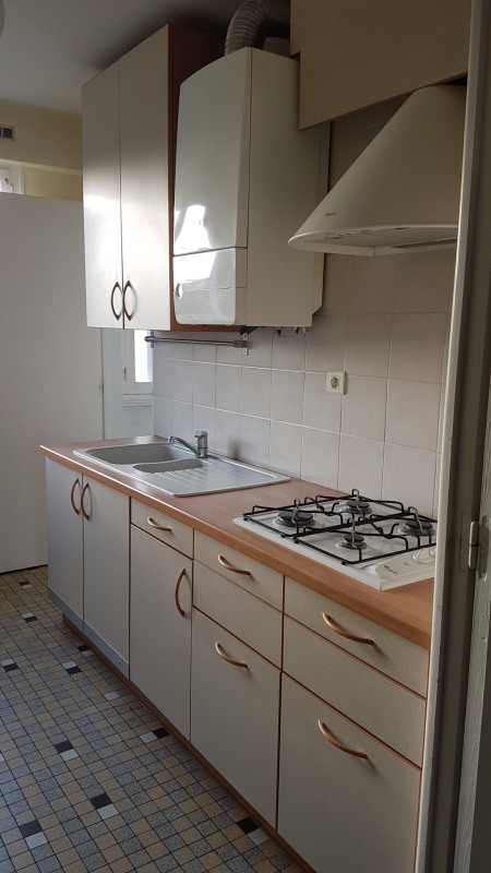 Sale apartment Quimper 76 650€ - Picture 2