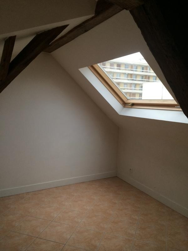 Location appartement Poissy 746€ CC - Photo 4