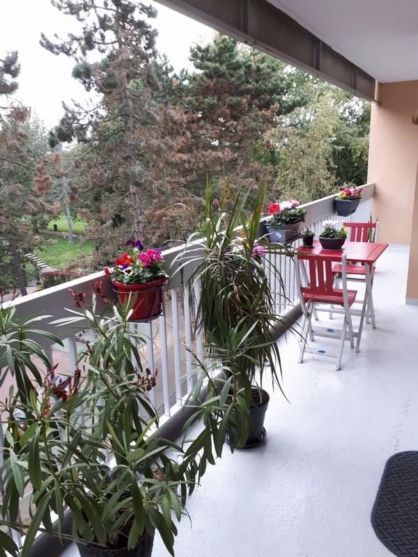 Rental apartment Elancourt 813€ CC - Picture 1