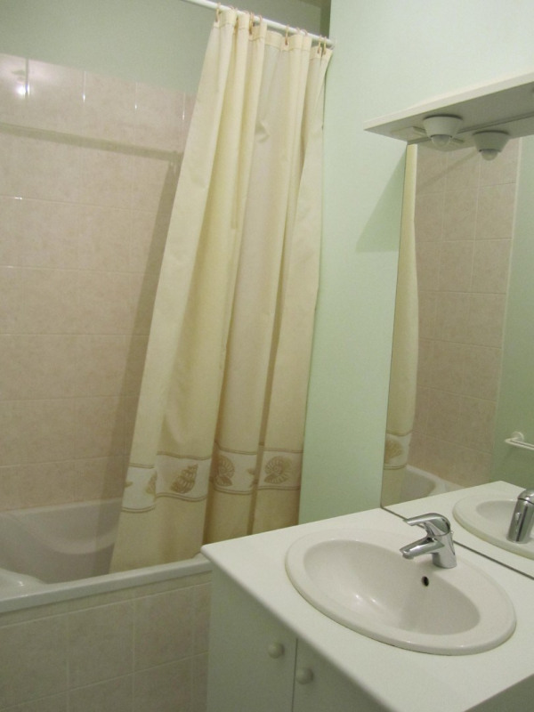 Rental apartment Baignes-sainte-radegonde 418€ CC - Picture 6