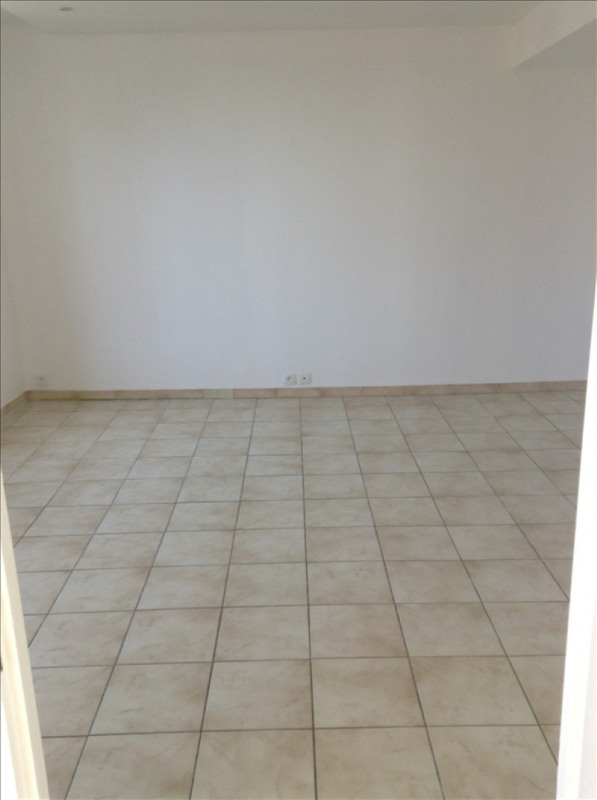 Location appartement St quentin 530€ CC - Photo 4