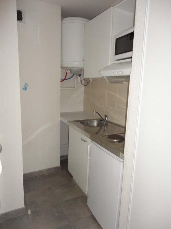 Locação apartamento Toulon 415€ CC - Fotografia 1