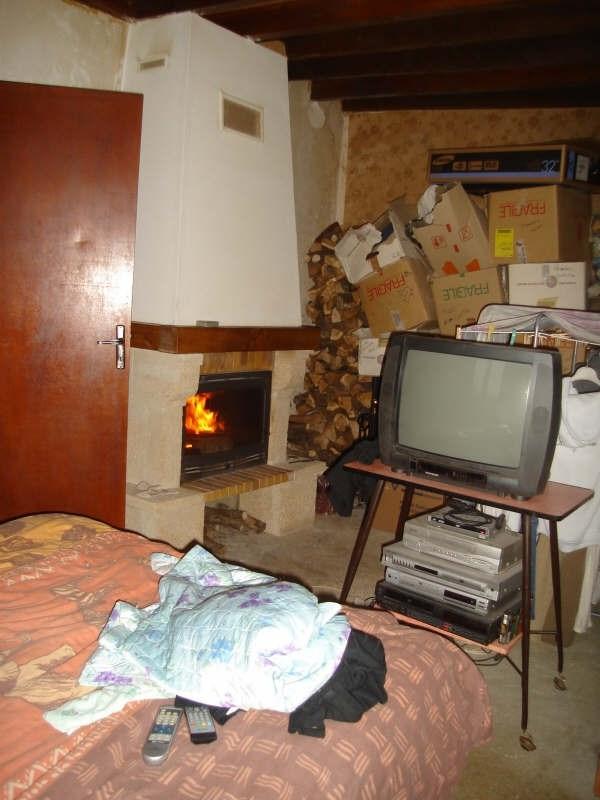 Sale house / villa Mere 70000€ - Picture 2