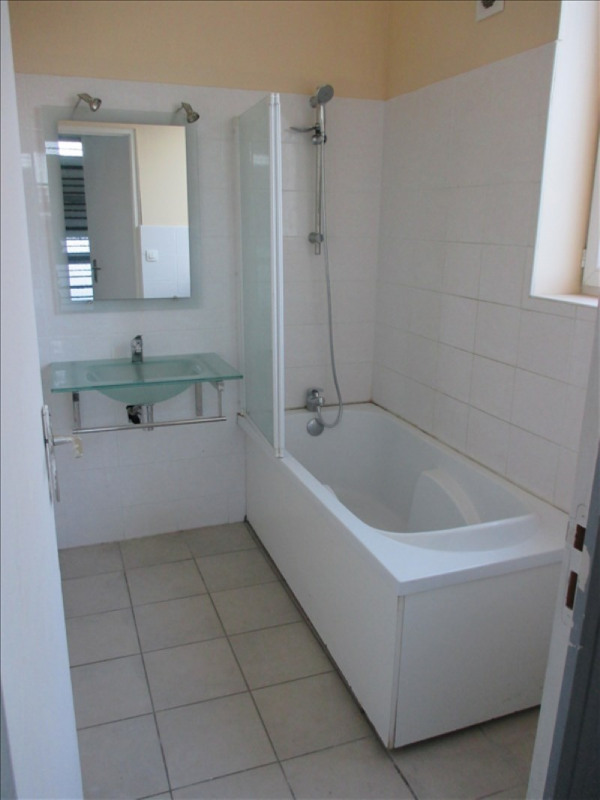 Sale house / villa St quentin 54800€ - Picture 3