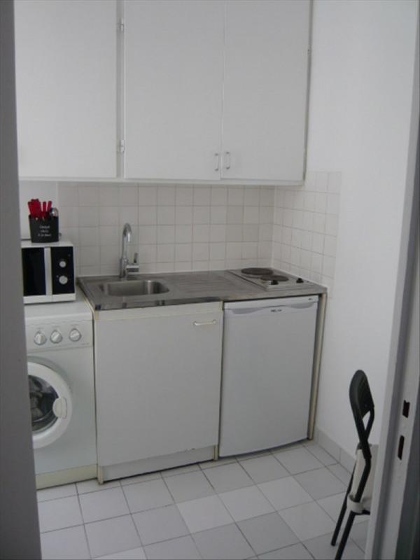Location appartement Paris 11ème 890€ CC - Photo 5