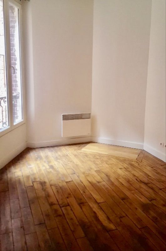 Location appartement Clichy 818€ CC - Photo 1