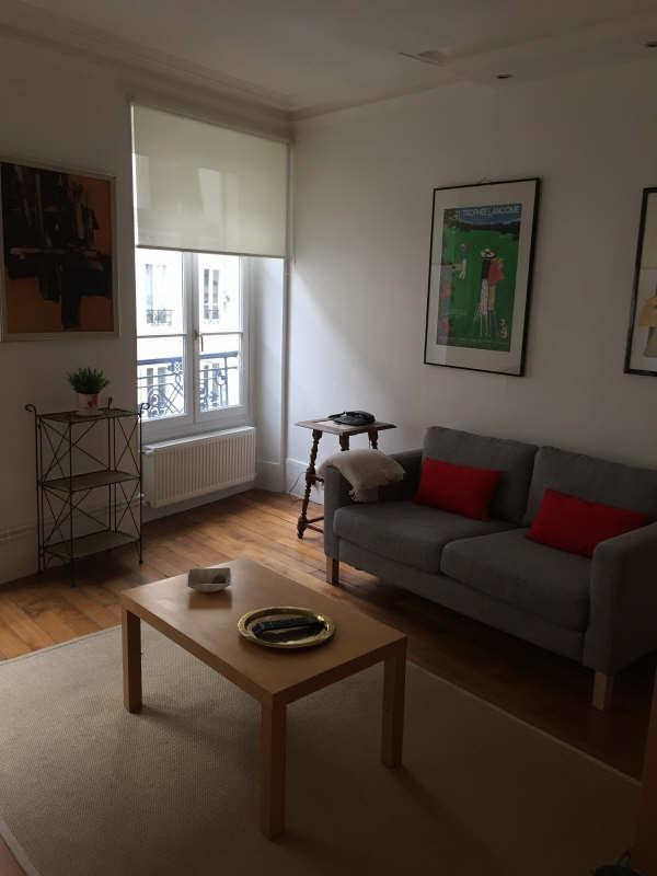 Location appartement Paris 7ème 1 710€ CC - Photo 1