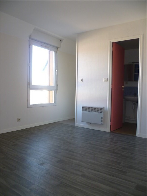 Location appartement Ifs 375€ CC - Photo 1