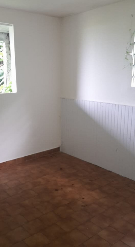 Rental apartment Gourbeyre 520€ CC - Picture 3