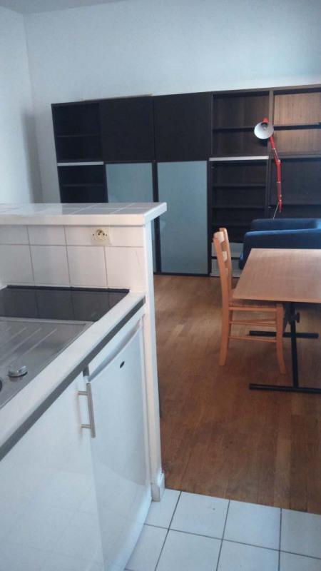 Location appartement Paris 7ème 870€ CC - Photo 3