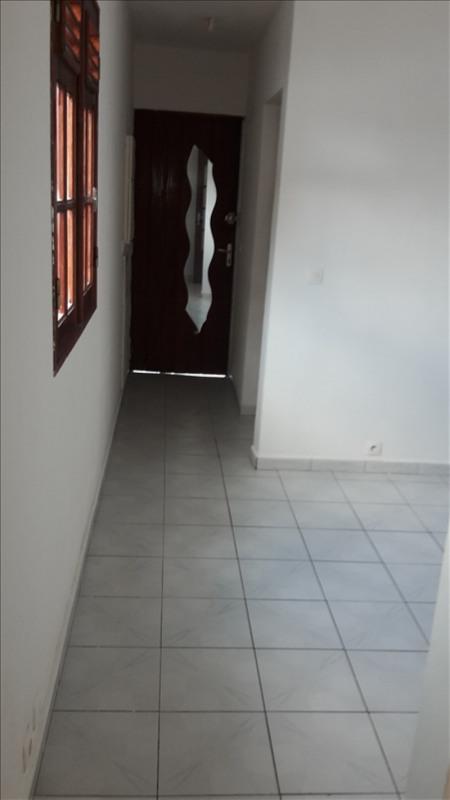 Rental house / villa Le gosier 480€ CC - Picture 2