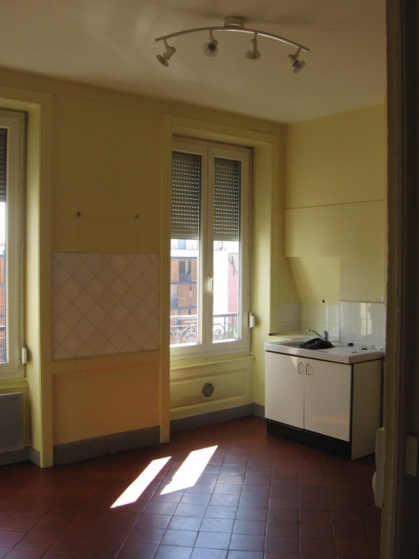 Location appartement Oullins 542€ CC - Photo 1