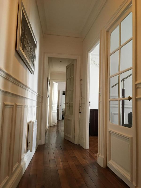 Location appartement Paris 17ème 2195€ CC - Photo 4