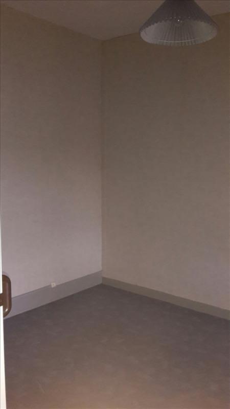 Rental apartment Riorges 340€ CC - Picture 3