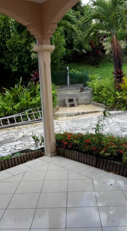 Vente de prestige maison / villa Gourbeyre 553850€ - Photo 18