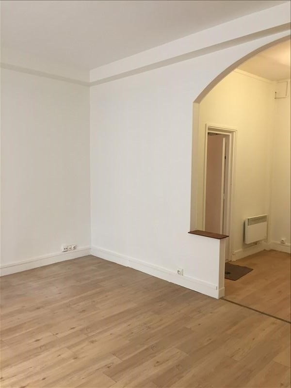Location appartement Versailles 966€ CC - Photo 3