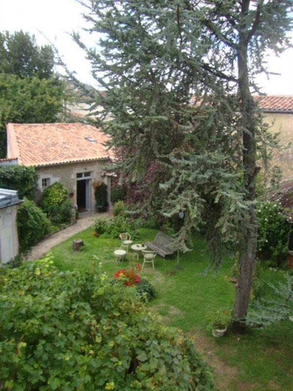 Sale house / villa Saint-jean-d'angély 327050€ - Picture 10