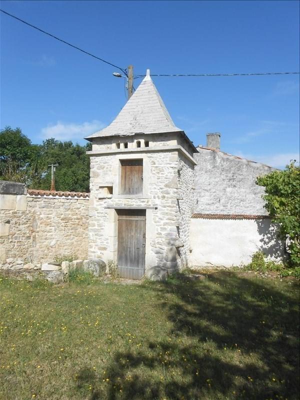 Sale house / villa Aulnay 111825€ - Picture 2