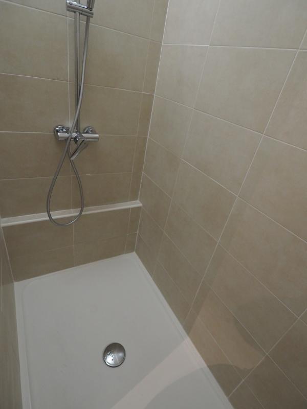 Verkoop  appartement Bagnols sur ceze 59900€ - Foto 6