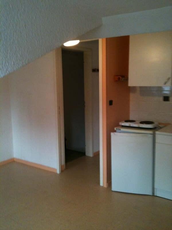 Locação apartamento Voiron 282€ CC - Fotografia 2