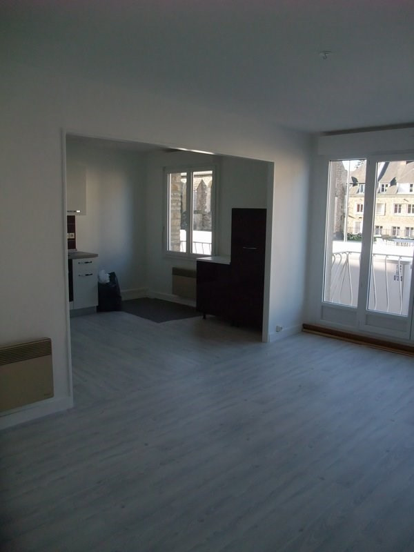 Location appartement Periers 360€ CC - Photo 2