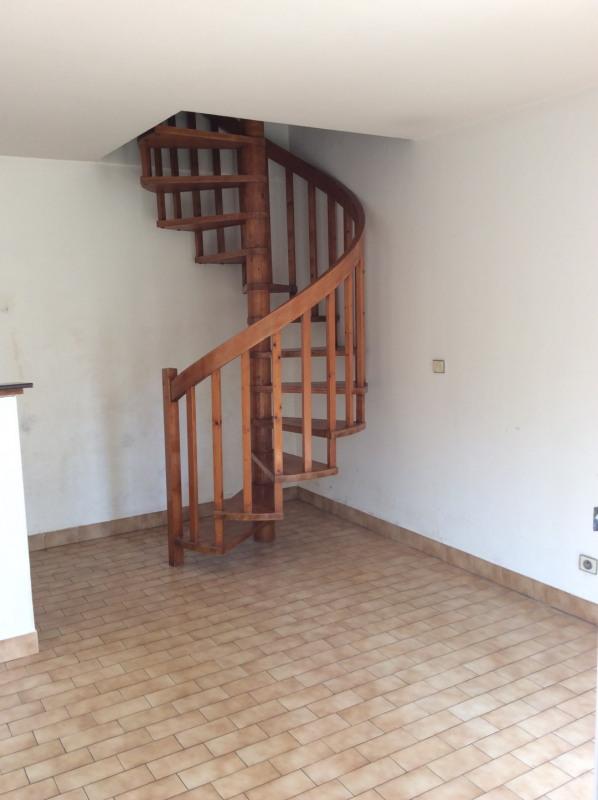 Rental apartment Nanterre 890€ CC - Picture 2