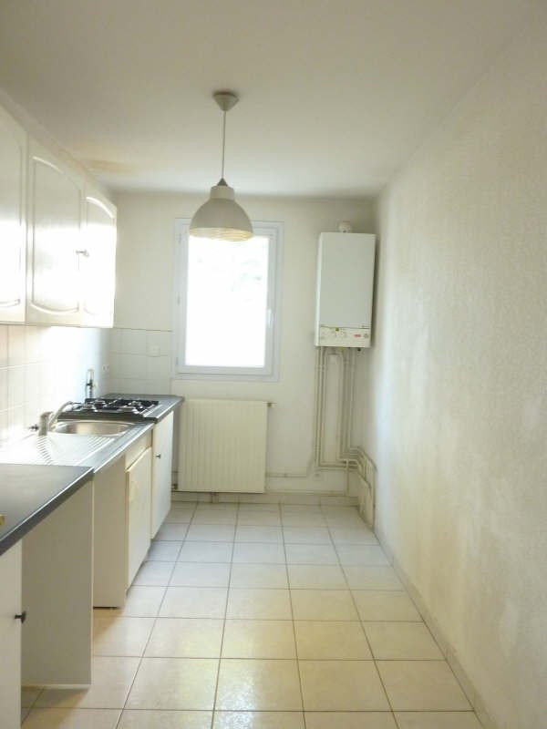 Location appartement Marseille 8ème 1 140€ CC - Photo 12