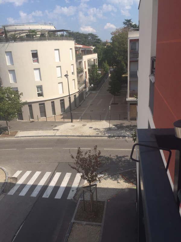 Verhuren  appartement Meyzieu 622€ CC - Foto 6