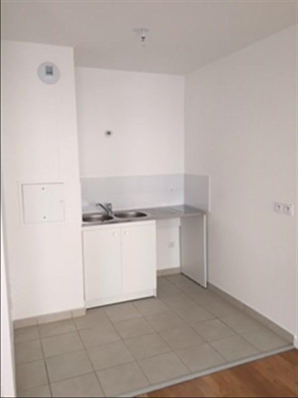 Rental apartment Creteil 775€ CC - Picture 3
