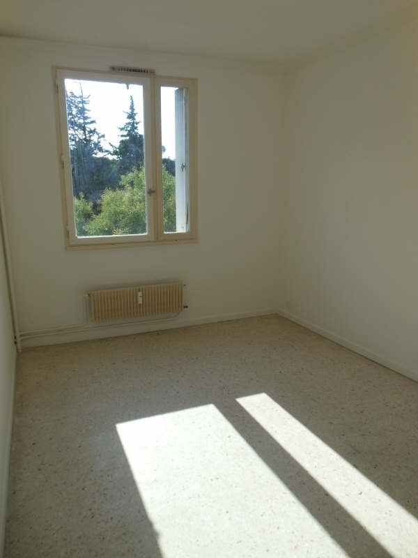 Rental apartment Nimes 770€ CC - Picture 6