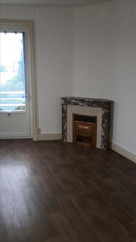 Rental apartment Riorges 340€ CC - Picture 1