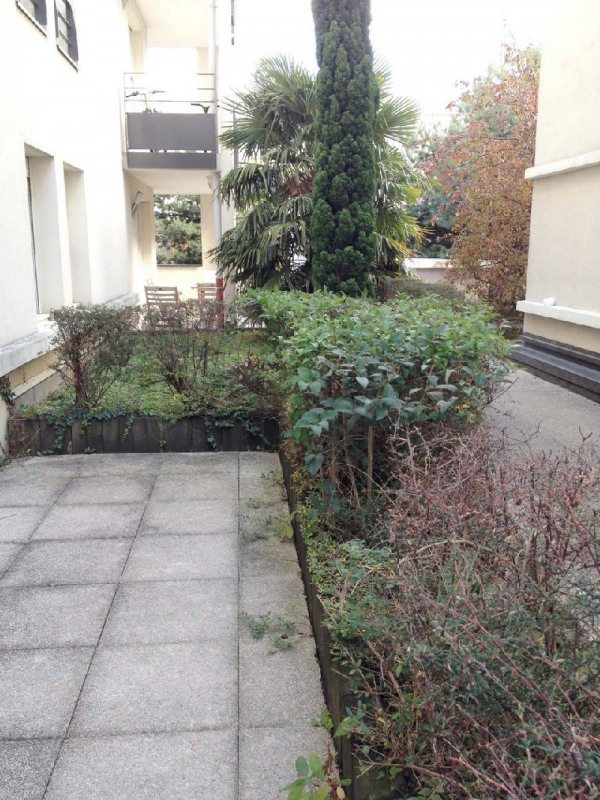 Sale apartment Lyon 8ème 119 000€ - Picture 2