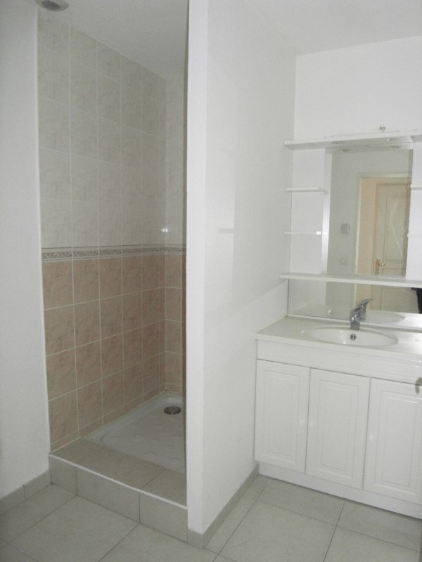 Location appartement Cognac 985€ CC - Photo 8