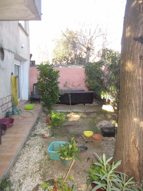 Sale apartment Nimes 142 000€ - Picture 2