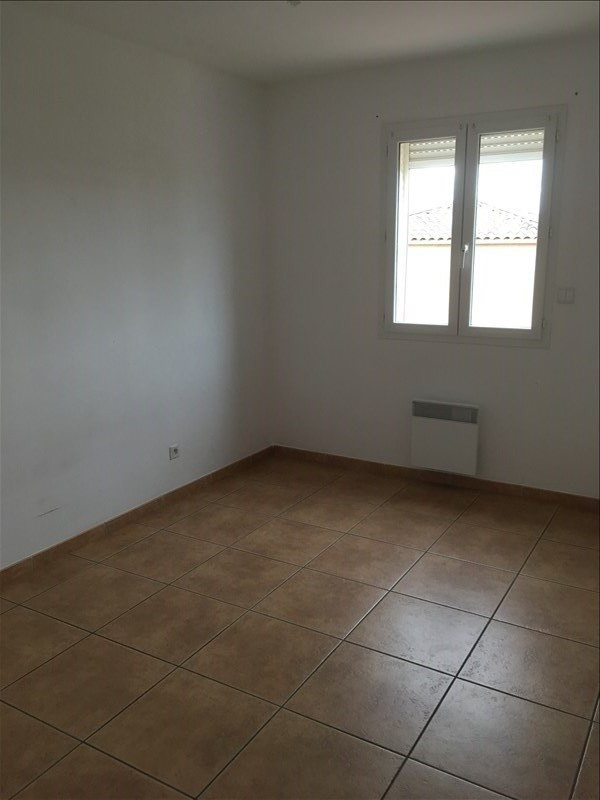 Location maison / villa Servian 802€ CC - Photo 2