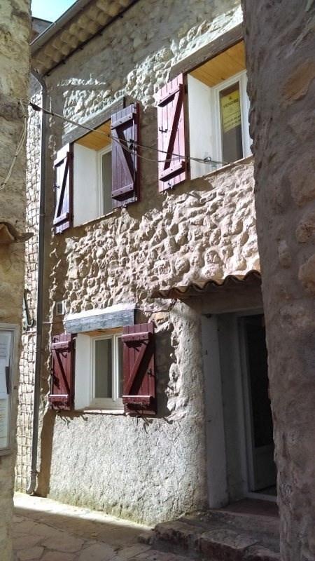 Maison en pierre Ubraye