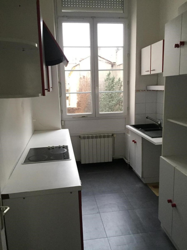 Location appartement Lyon 6ème 858€ CC - Photo 2